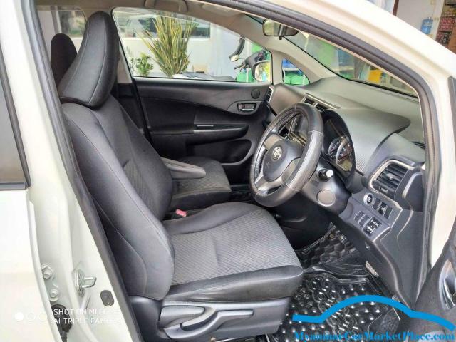 Toyota Ractis 2011