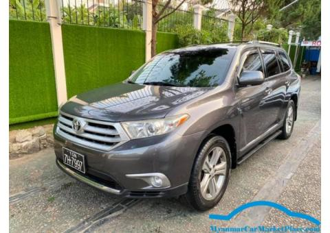 Toyota Highlander  2011 model